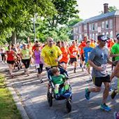 Runners in the annual DadsDay run in Shaker Heights, Ohio