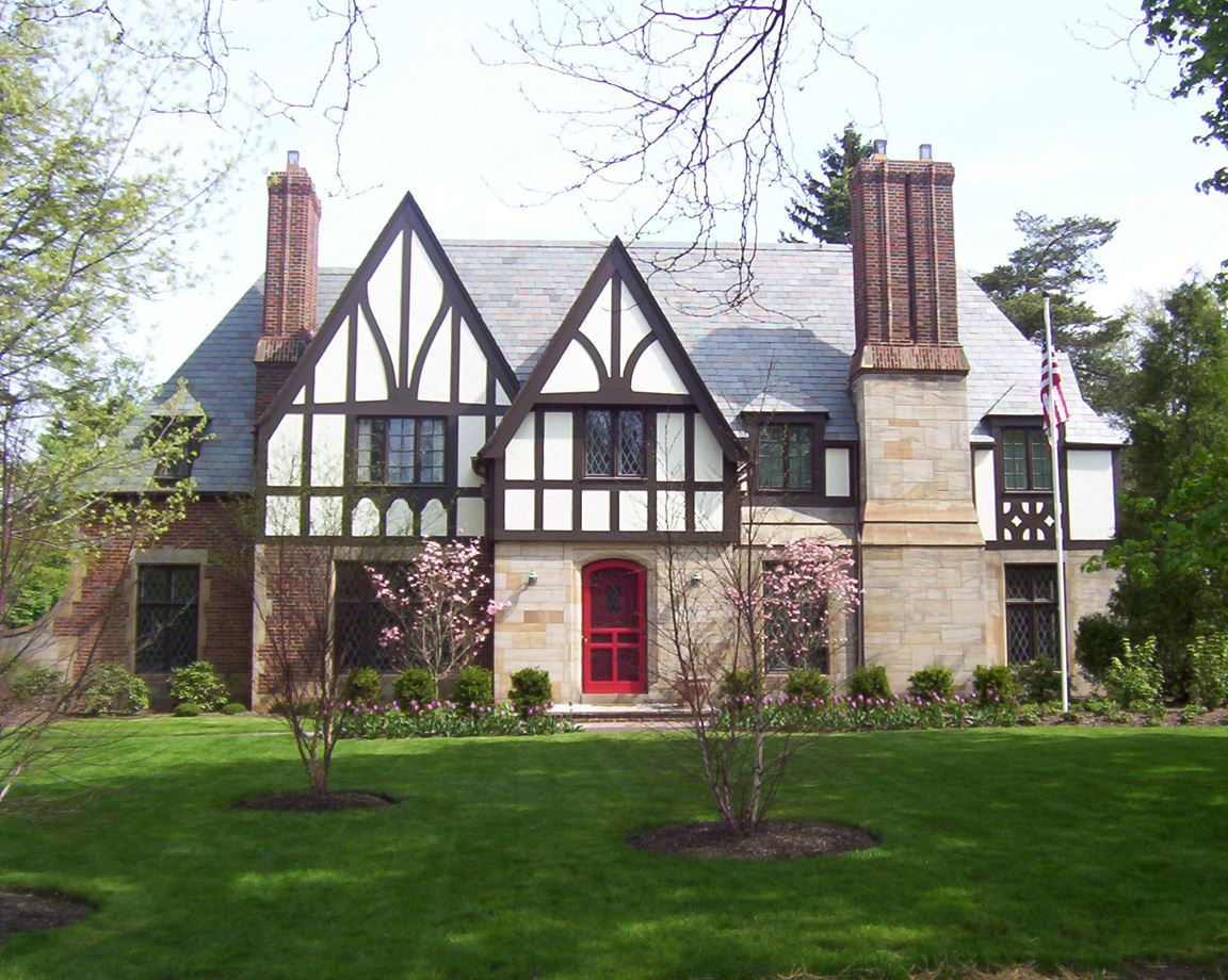 20101 South Woodland House